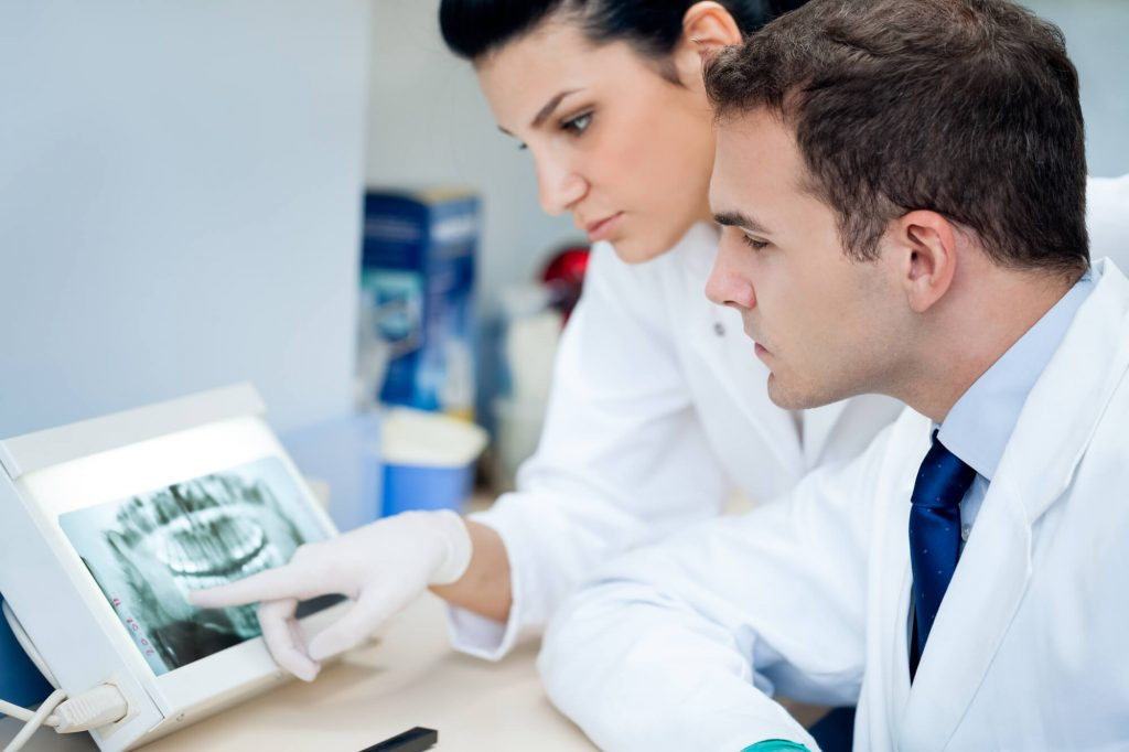 where is the best dental implants greenacres?