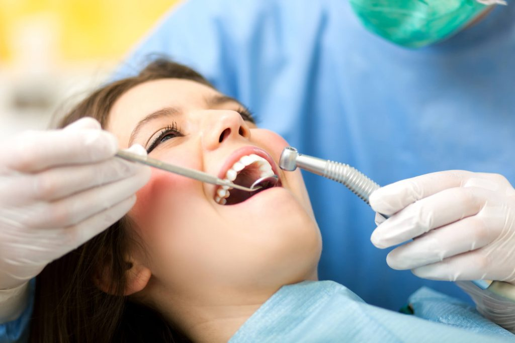 who offers the best dental implants?