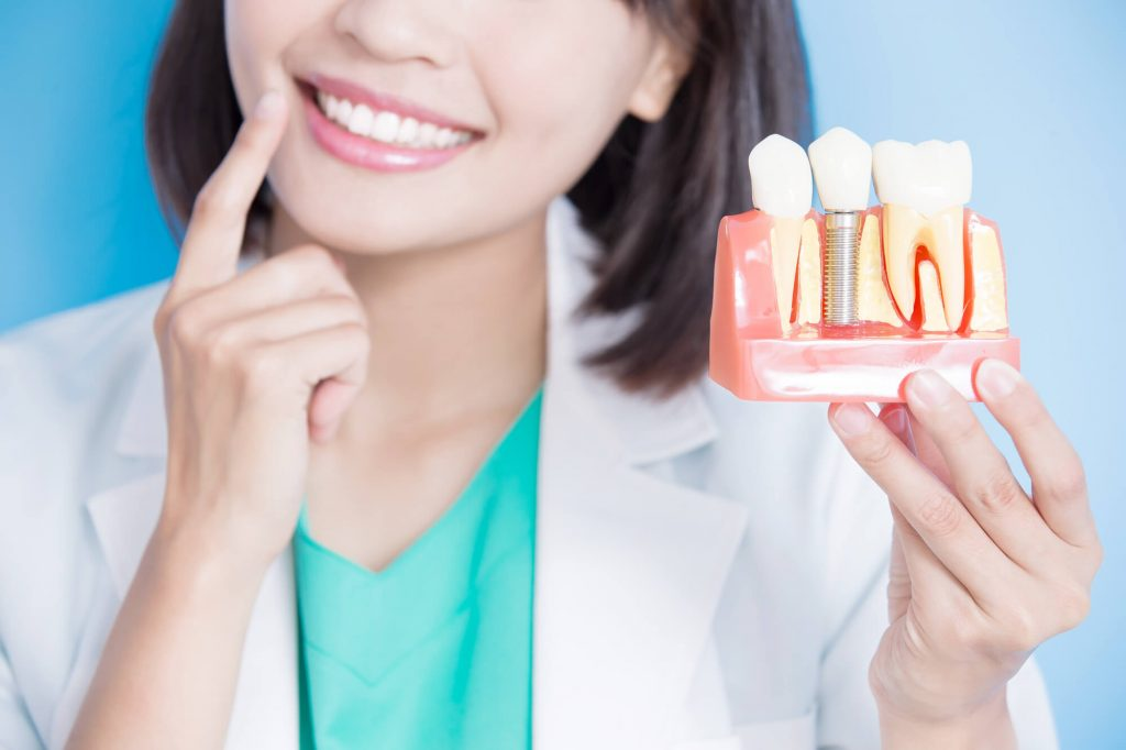Where can I get dental implants in Lake Worth?