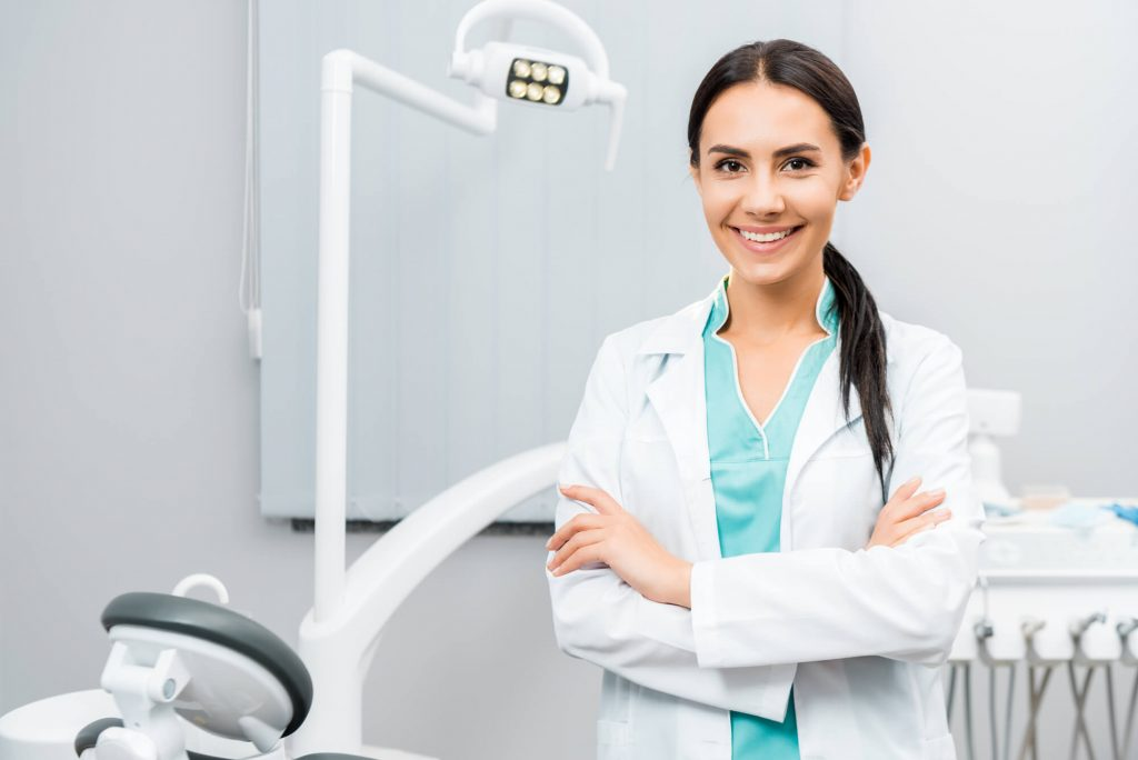 dentist who performs Greenacres Cosmetic Dentistry